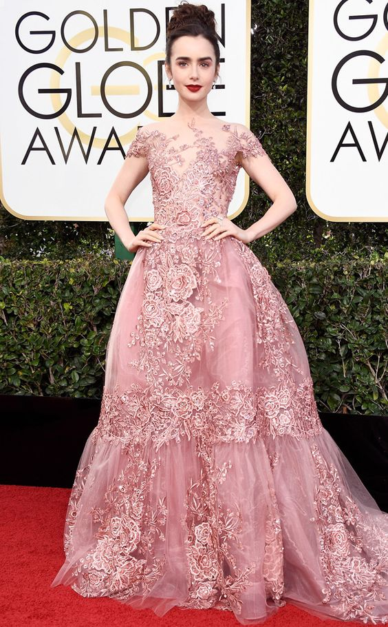Lily Collins Golden Globe Awards 2017